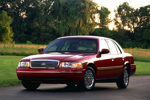 Ford Crown Victoria2 поколение