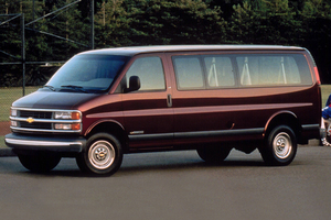 Chevrolet Express 1 поколение