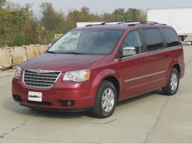 Chrysler Town and Country 5 поколение