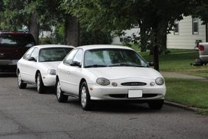 Ford Taurus 3 поколение