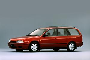 Nissan Avenir W10