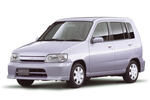 Nissan Cube 1 поколение