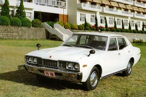 Nissan Gloria 330