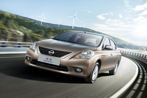 Nissan Sunny B17