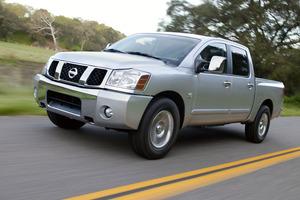 Nissan Titan 1 поколение