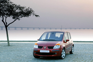 Renault Modus 1 поколение