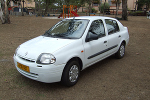 Renault Symbol 1 поколение