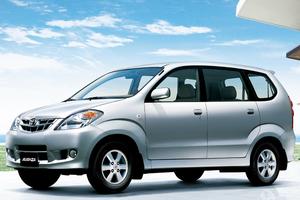 Toyota Avanza 1 поколение