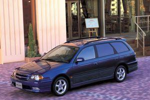 Toyota Caldina 2 поколение