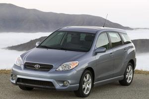 Toyota Matrix 1 поколение