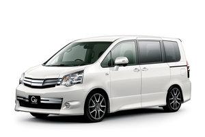 Toyota Noah 2 поколение